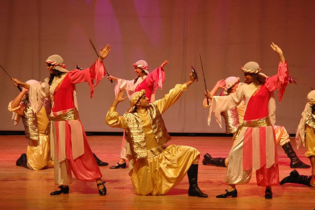 Arab 4 - DANCE TROUPE