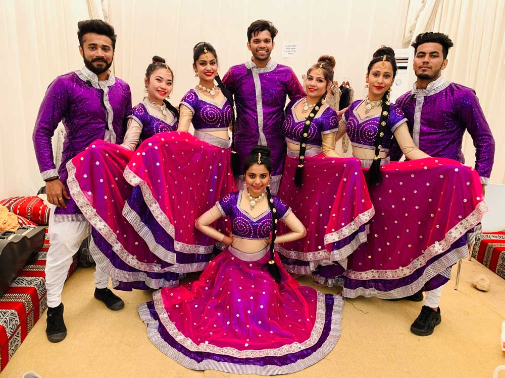 Bollywood dance - DANCE TROUPE