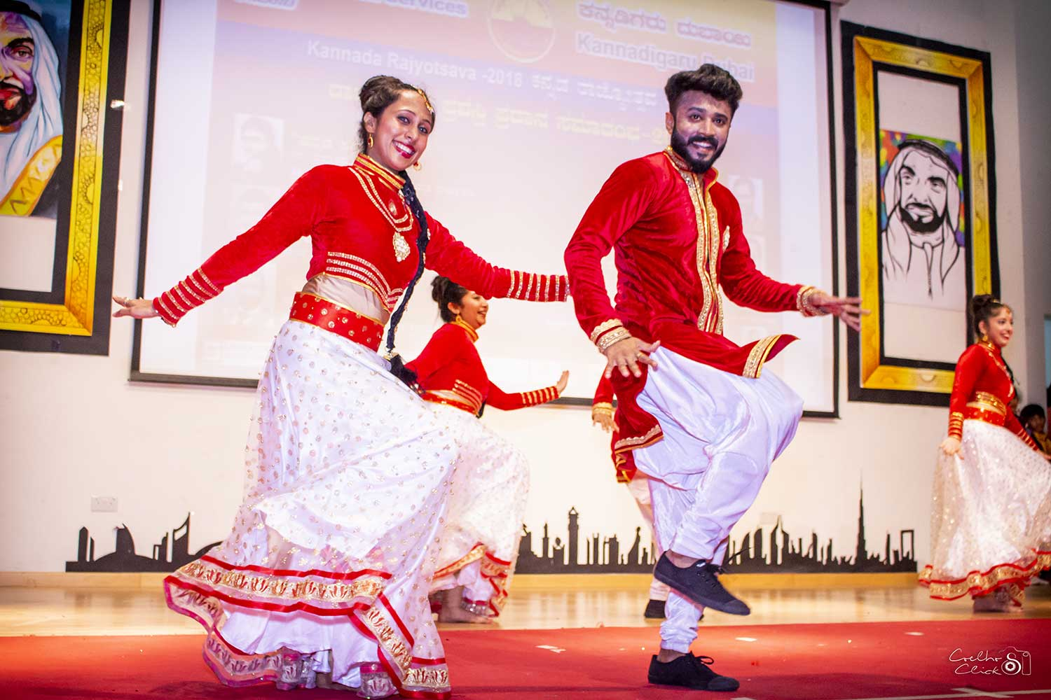 Bollywood red 1 - DANCE TROUPE