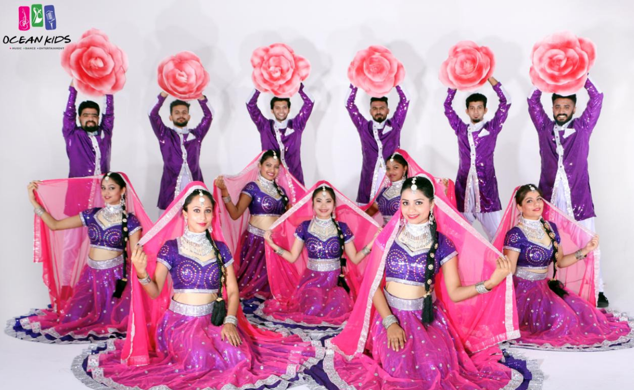 Bollywood2 - DANCE TROUPE